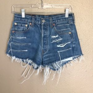 Levi's cut off fray Jean shorts 501
